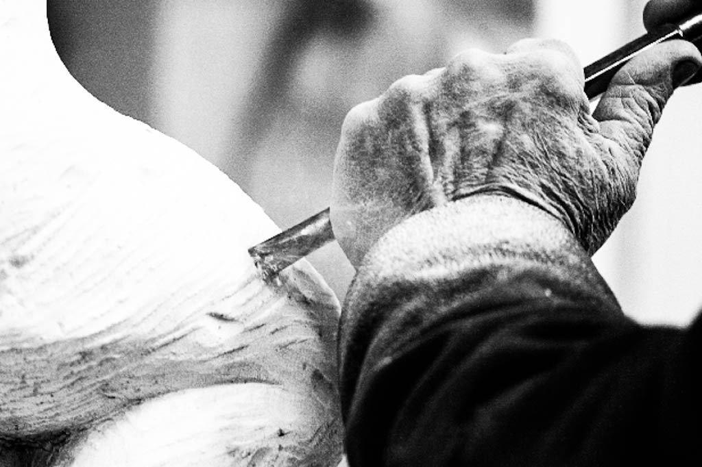 Fornari-Foto-03-Scultore-al-lavoro-1.jpg
