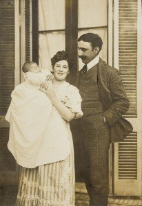 Leonor Fini and her parents in Argentine, 1907