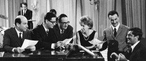 Lelio Luttazzi accompagna al piano il Quartetto Cetra