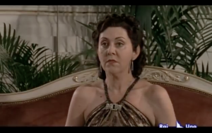 Emanuela Grimalda in Hellis Van Hopper (Rebecca la prima moglie)