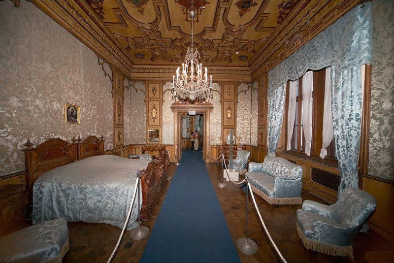 La-stanza-da-letto-di-Carlotta.jpg