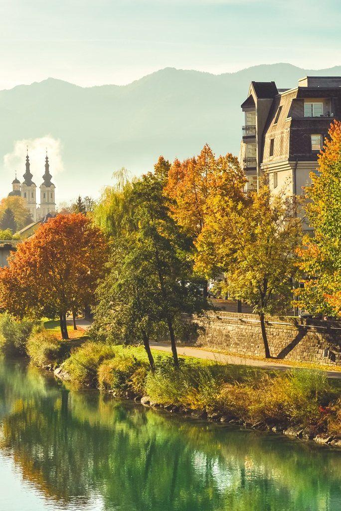 autumn-1229966-1.jpg