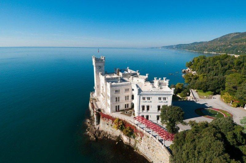 castelloMiramare_Trieste.jpg